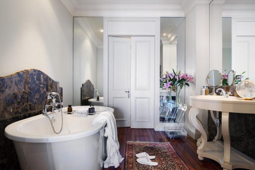 21 Nettleton Cape Town King Room Bathroom