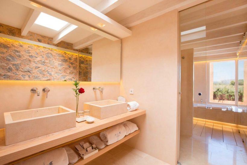 Hotel Can Simoneta Luxury Suite Bathroom