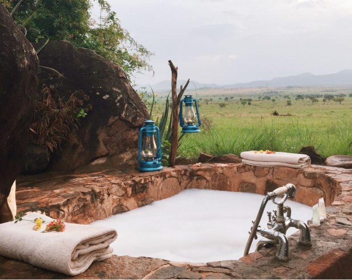 Apoka Safari Lodge Bush Bath