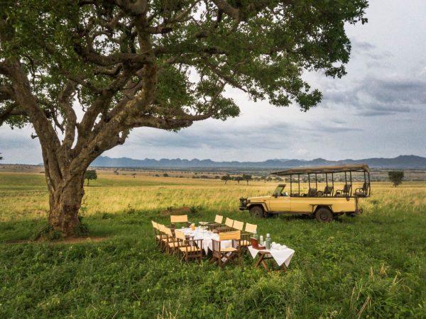 Apoka Safari Lodge Bush Dining