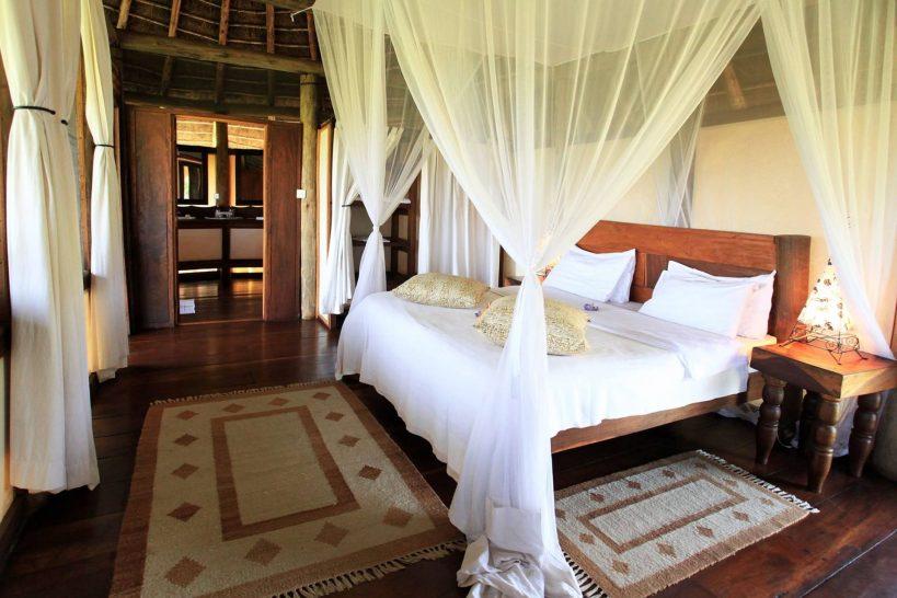 Apoka Safari Lodge Cottage Room