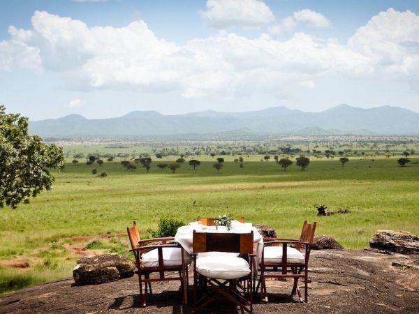 Apoka Safari Lodge Dining