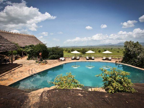 Apoka Safari Lodge Pool