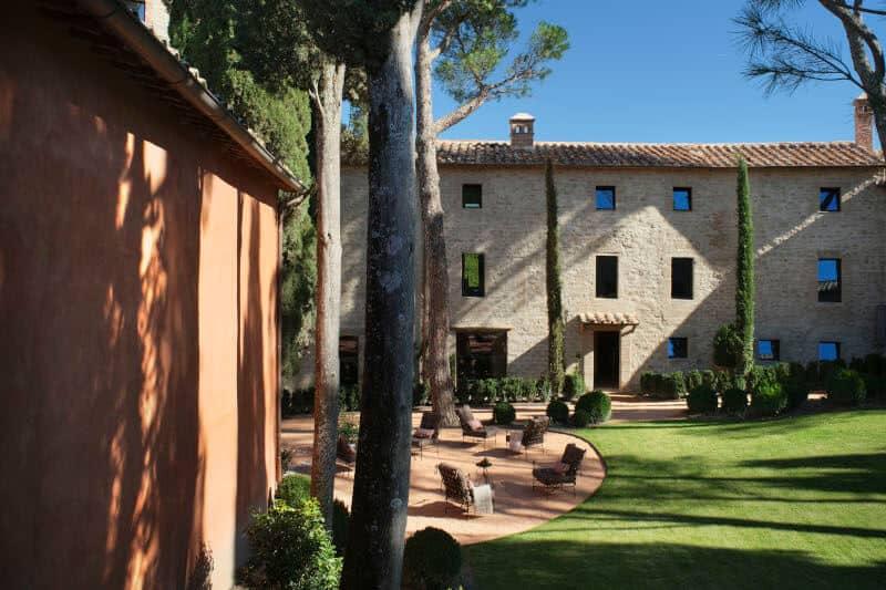 Castello di Reschio Umbria Garden Courtyard