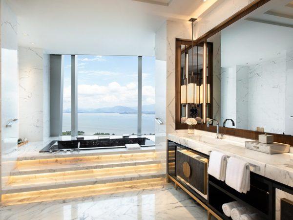 Raffles Shenzhen Bathroom